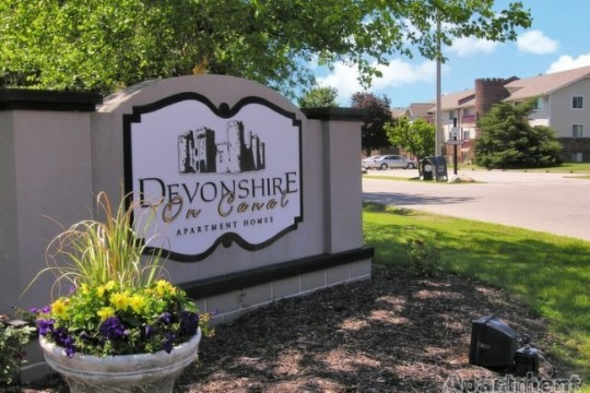 Devonshire on Canal   517-627-2184